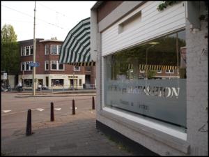 paar Maagd rondborstige in de buurt Den Haag